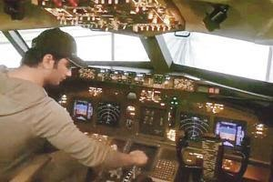Sushant Singh Rajput and his latest purchase - a flight simulator ...
